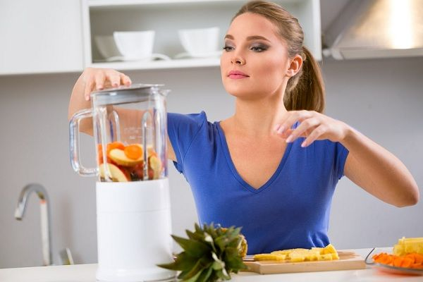 How to use a juice extractor